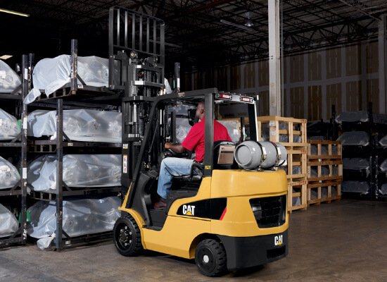 Cat 2C3000 gas forklift