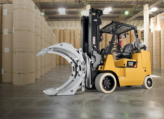 Side View of a Cat Cushion Tire Internal Combustion Forklift with Custom Forks